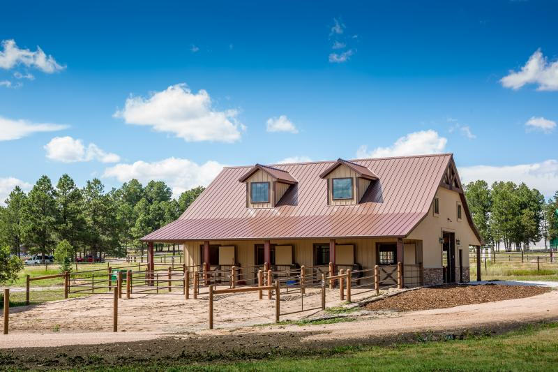 Why Build Colorado Horse Barns With High Quality Interior