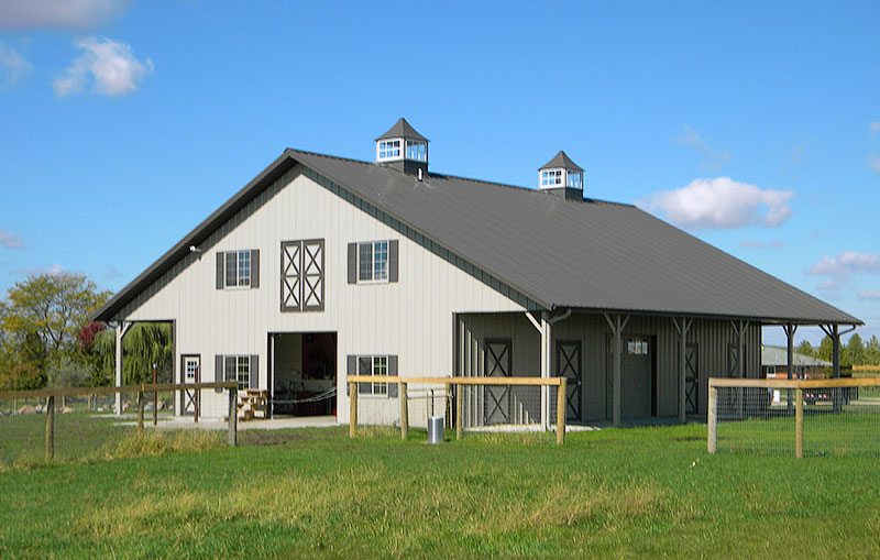 Metal storage buildings with living quarters for Building a barn to live in