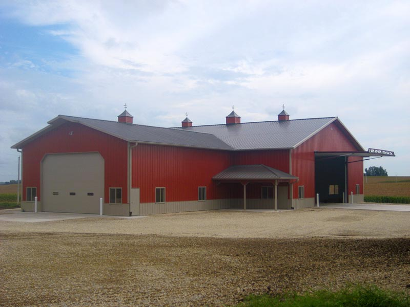 Custom farm and ranch pole barns in colorado for Shop buildings with living quarters