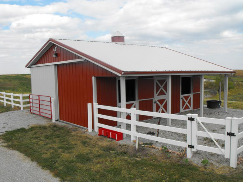 Equestrian buildings and beautiful colorado horse barns for Small metal barns
